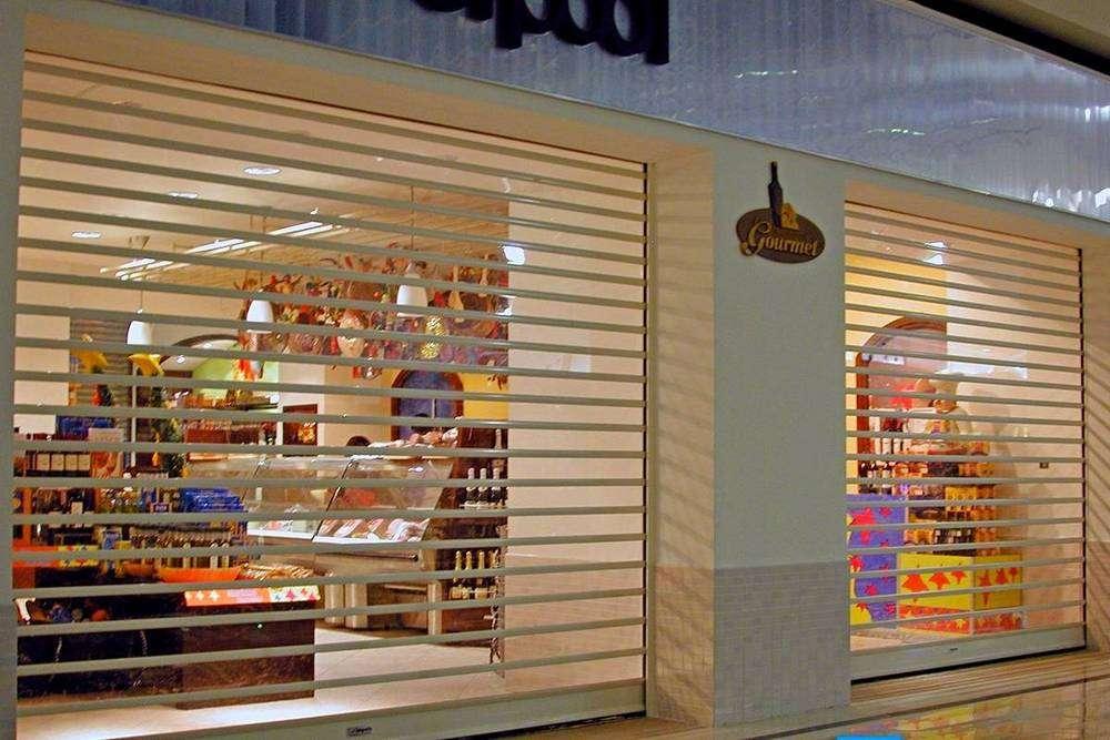 Прозрачные рольставни для магазинов и кафе