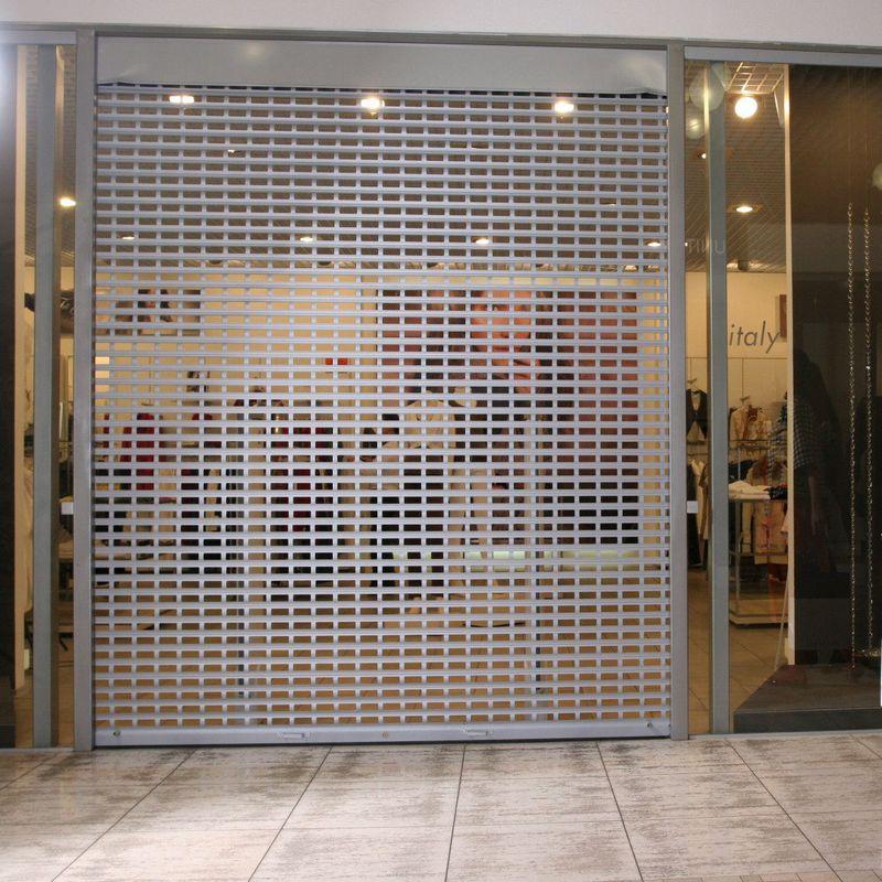 Роллетная решетка для магазина и ТЦ