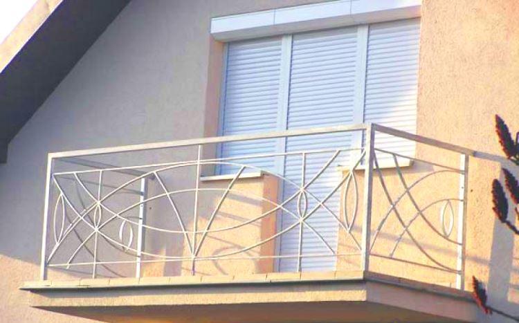 Роллеты для балконного блока