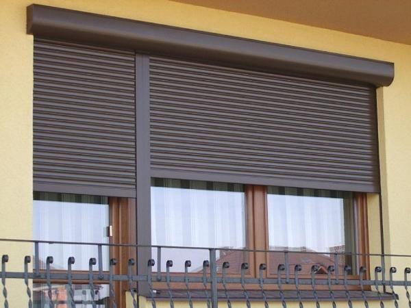 Рольставни на балкон в Москве: продажа и ремонт